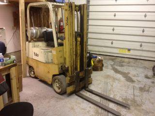Yale 3,  000lb Forklift Fork Lift Tow Motor Fork Truck photo