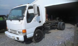 1995 Isuzu Npr photo