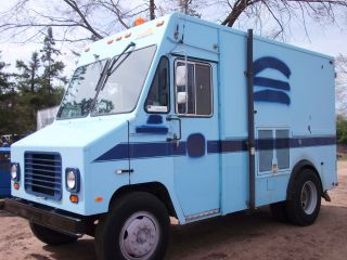 1989 Gmc Utilimaster Step Van photo