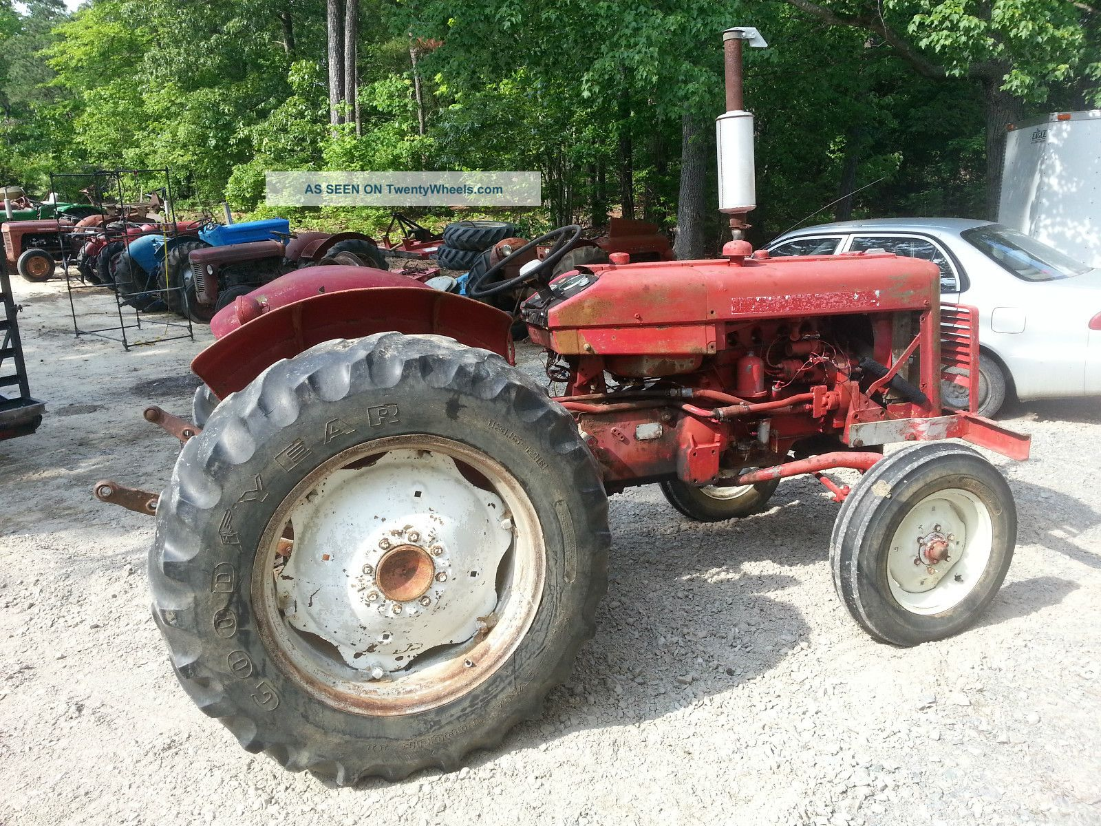 Ih international farmall 424 tractor live lift live pto for Craigslist tucson farm and garden
