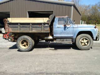1977 Ford F700 photo