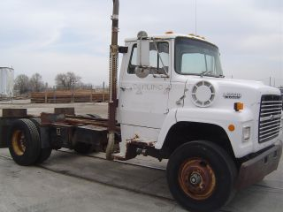 1988 Ford Ln 8000 photo