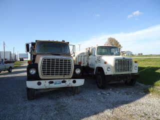 1985 Ford 8000 photo