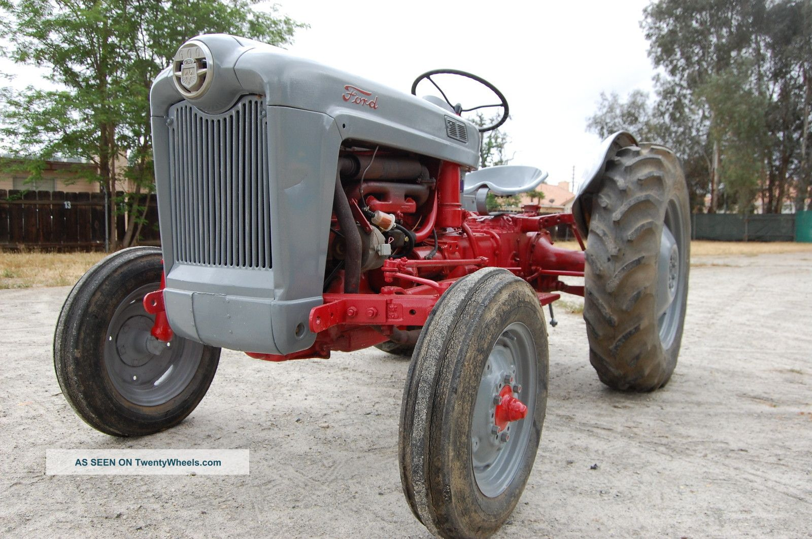 Ford 600 Tractor Farm : Ford farm tractor point hitch condition n