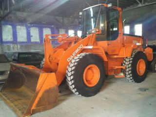 2004 Daewoo Mega 200v Loader photo