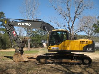 2007 Volvo Ec210cl W/ Hydraulic Thumb Only 2800 Hours photo