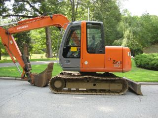 Hitachi Excavator Zx 80 photo