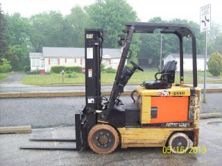 2002 Caterpillar 4000 Lb.  Electric Forklift 533 photo