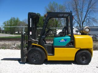 Komatsu 8000 Lb Capacity Forklift Lift Truck Pneumatic Tire Triple Stage Lp Gas photo