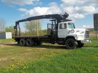 1988 Ford L 9000 photo