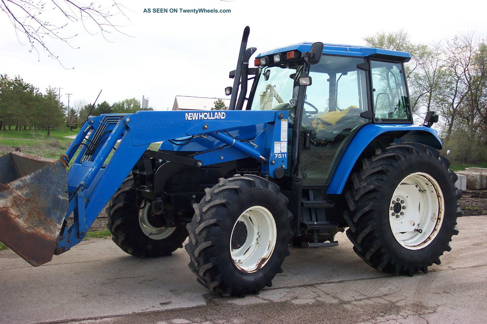 Holland Ts100 Mfwd Tractor With 7511 Loader
