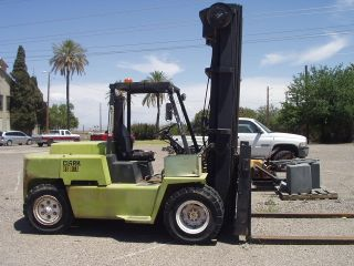 Clark 13,  500 Lb Diesel Pneumatic Tire Forklift Triple Stage Mast photo
