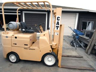 Caterpillar Towmotor Hardtire Propane 7000 Lb Forklift photo