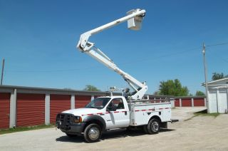 2007 Ford Altec Bucket Truck 41 ' F550 Financing Available photo