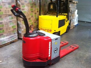 Raymond Electric Pallet Jack photo
