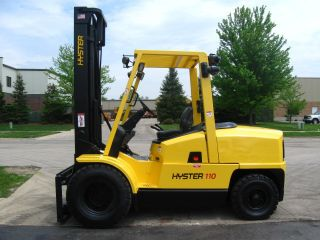 2004 Hyster 11000 Lb Capacity Forklift Lift Truck Pneumatic Tires photo