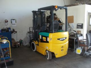 Very Little 5000lb Electric Forklift photo