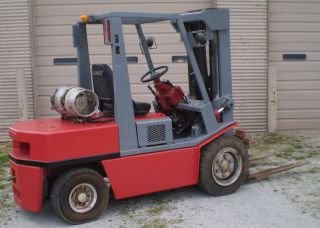 Nissen Pneumatic 8000 Lb Lpg Forklift Lift Truck Triple Mast photo