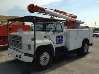 1990 Ford F600 Dually photo