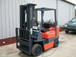 Toyota Model 5fgc25 (1994) 5000lbs Capacity Lpg Cushion Tire Forklift photo
