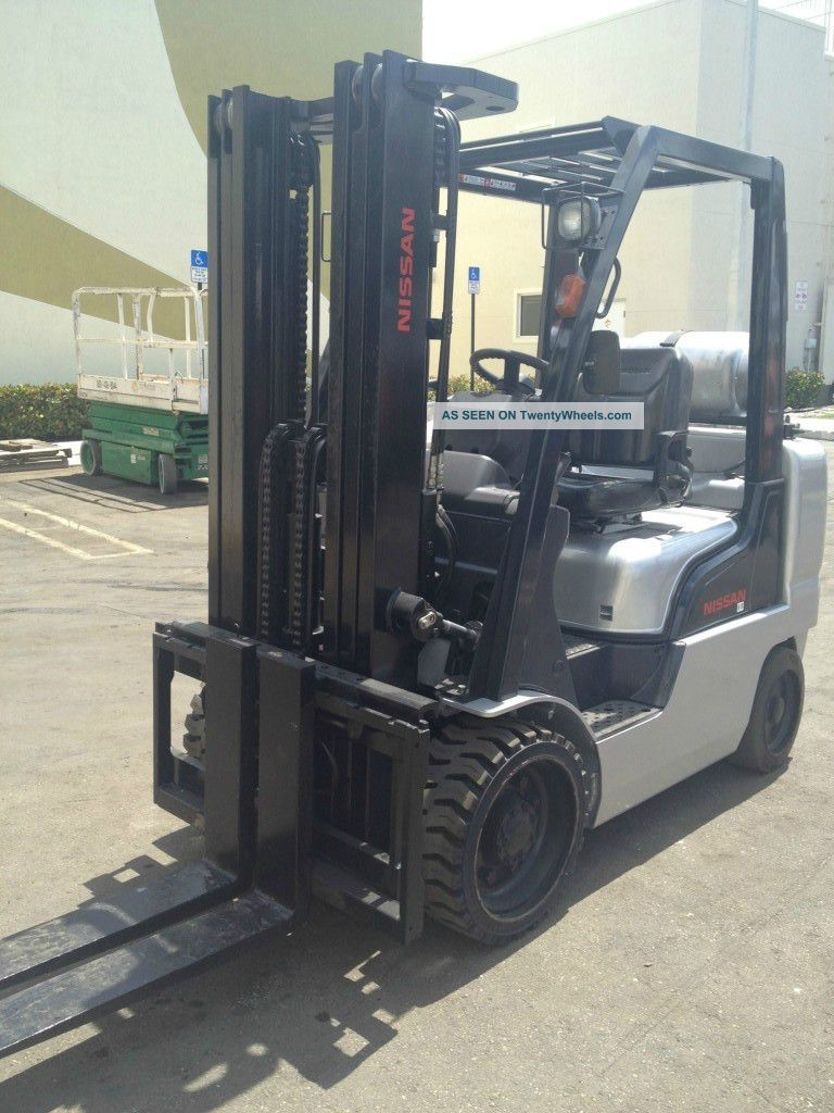 2008 Nissan Model Mcug1f2f30lv (6,  000lbs 3 Stage Mass W/ Side Shift) Forklifts photo