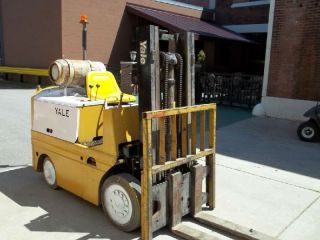 Yale Forklift Fork Lift Truck 4000 Lb photo