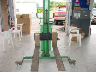 Valley Craft Versa - Lift Forklift photo