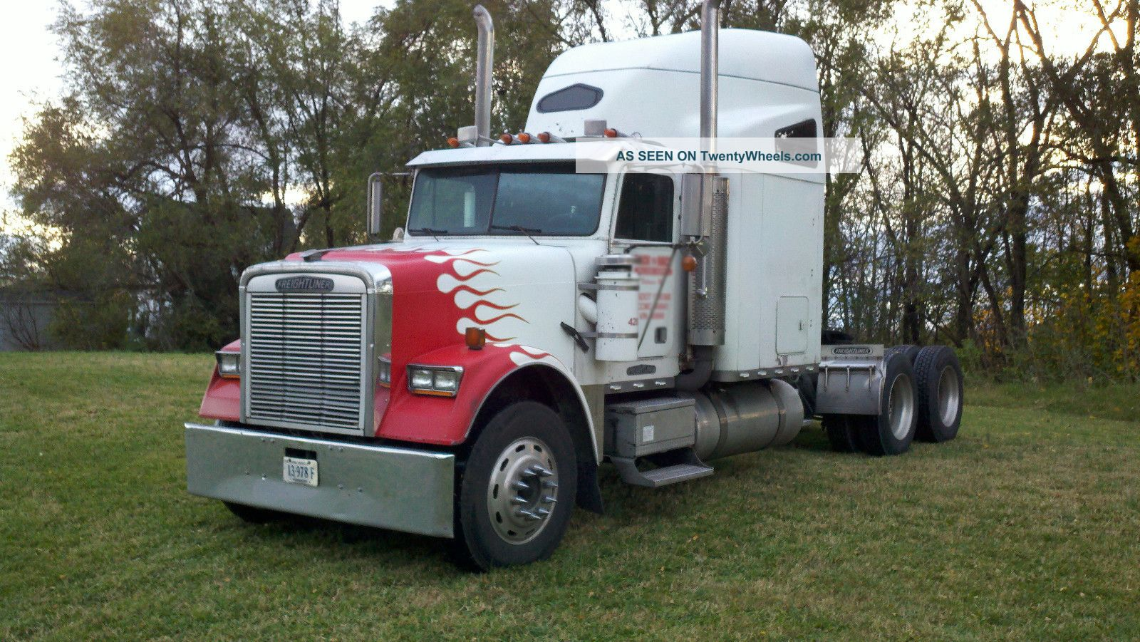1993 Freightliner Classic Sleeper Semi Trucks photo