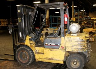 Caterpillar Model Gp30 6000 Lb.  Propane Forklift Truck 22021 photo