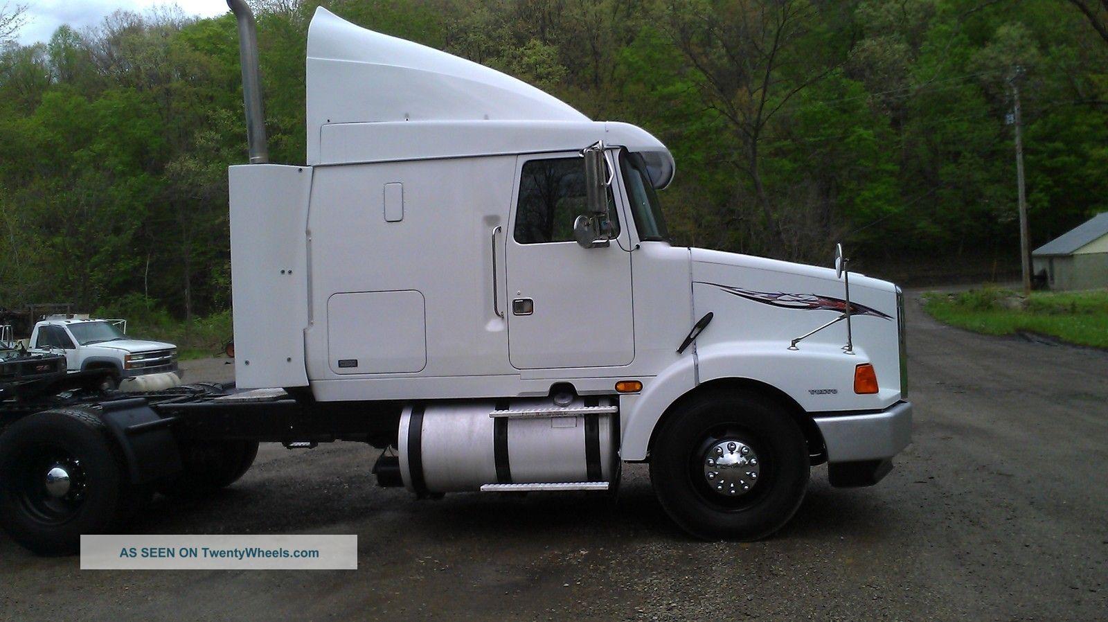 Semi Truck Condo Sleeper Interior Autos Weblog