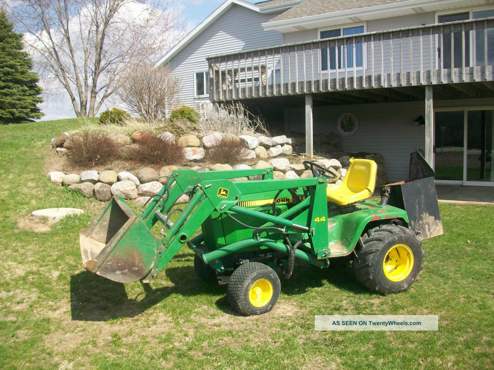 3 point hitch Three Point Hitch in addition 257121 Jd Hydraulic Snow Blade  patibility additionally John Deere 420 Garden Tractor Engine in addition Showthread furthermore Diagram Of John Deere 420 Garden Tractor. on john deere 455 hitch