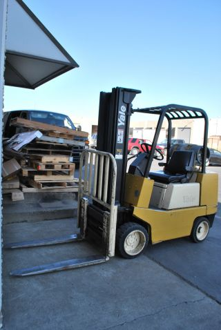 Yale Glc070ad Juae083 Forklift,  4000 Lbs Capacity,  Lift Truck photo