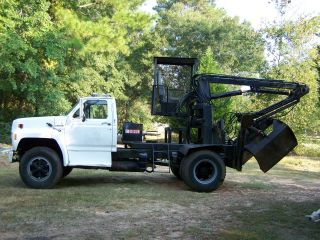 1990 Ford F800 photo