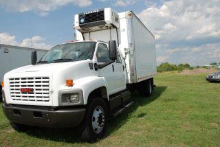 2005 Gmc C7500 Duramax Diesel photo