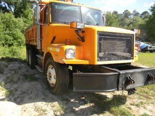 1998 Volvo Tandem Dump Truck photo