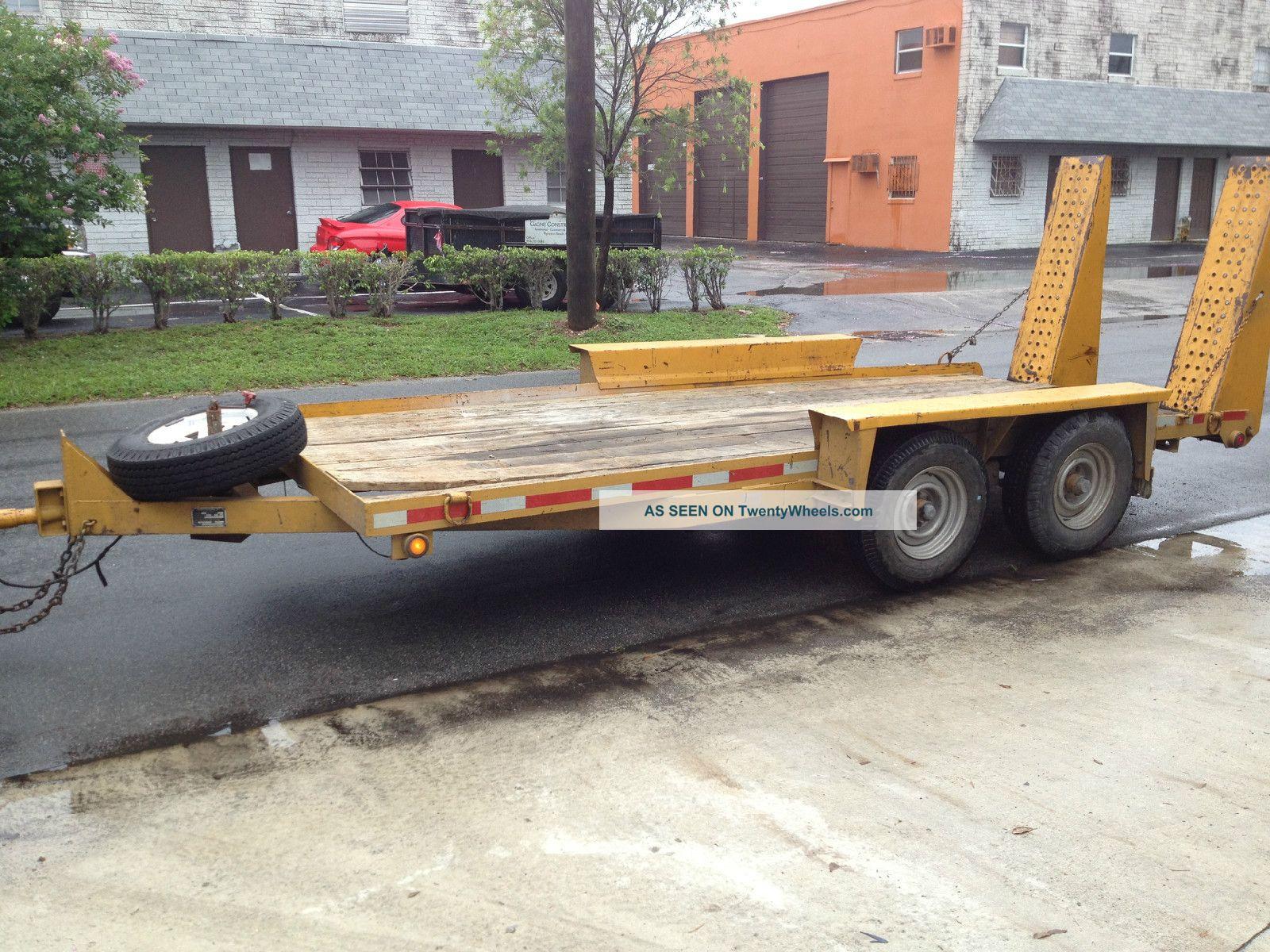 Heavy Equipment Trailer : Equipment trailer