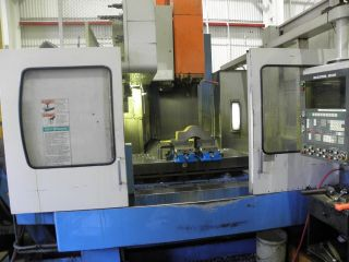 Vertical Machining Center 3 Axis Mazak Model V515/40 50 Taper (1991) photo