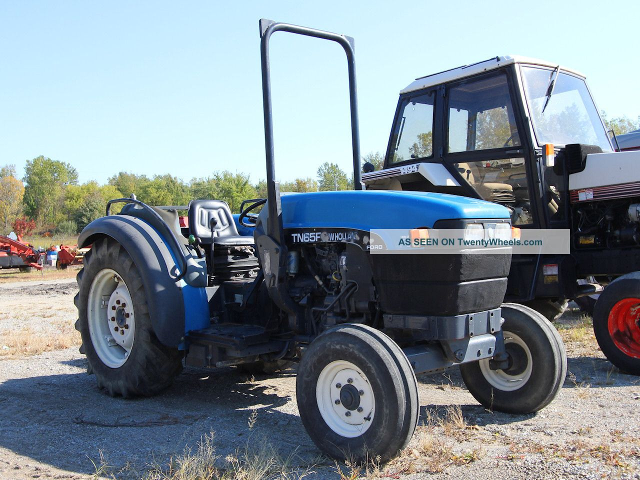 New Holland Orchard Tractors : Holland tn f orchard tractor wd rops