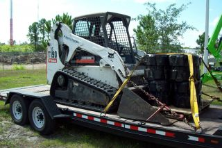 Bobcat T190 2008,  Being Painted,  Tracks,  Bucket,  Grapple,  Forks Seead photo