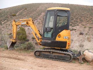 John Deere 27c Zts (zero Tail Swing) Mini Excavator photo