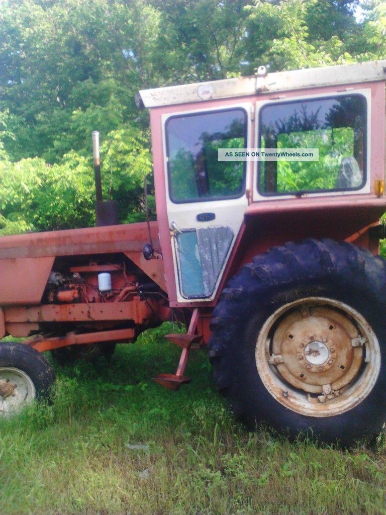 1970 Allis Chalmers Farm Tractor