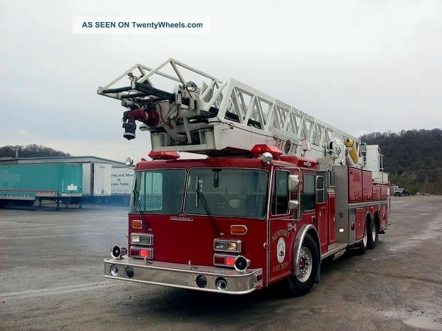 1989 Grumman Aerial Cat 121 Emergency & Fire Trucks photo