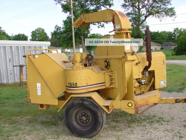 Vermeer Chipper Perkins Diesel Only 657 Hours Model 1250bc Equipment photo