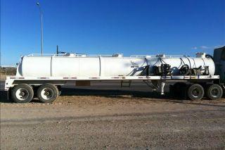 2011 Pinsa Tanker Vacuum Trailer photo