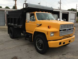 1991 Ford F - 700 photo