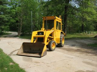 John Deere 410 Backhoe photo