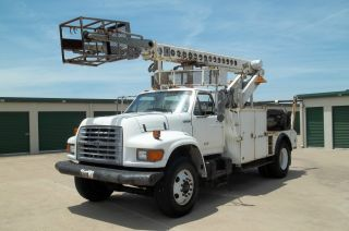 1998 Ford F800 Financing Available photo