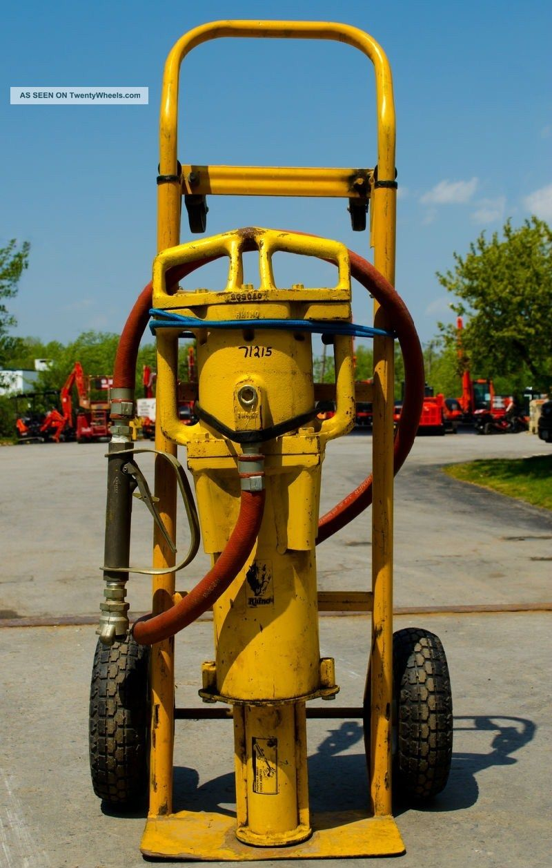 Rhino Pd 140 Air Operated Post Driver With 100 Hose Reel