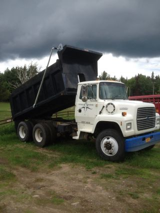 1996 Ford L8000 photo