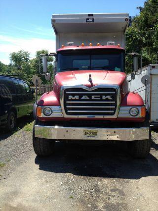 2003 Mack Cv photo